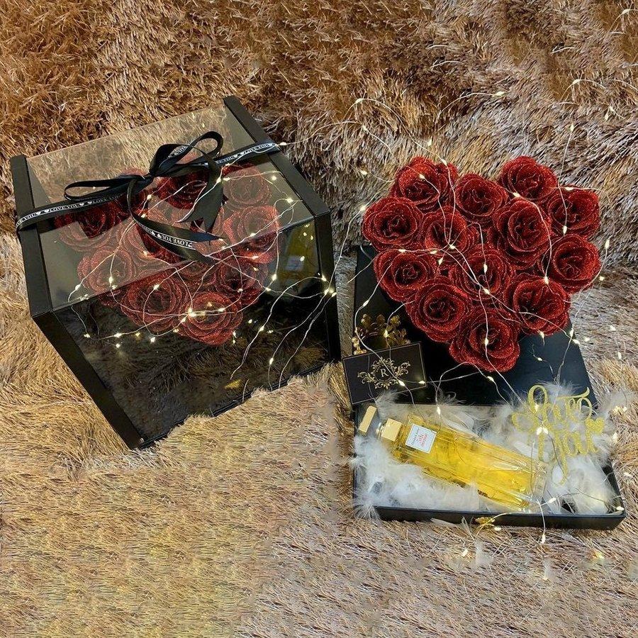 Hộp hoa hồng sáp thơm hình trái tim