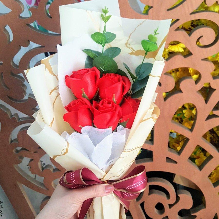 Bó hoa hồng sáp thơm 5 bông - H047