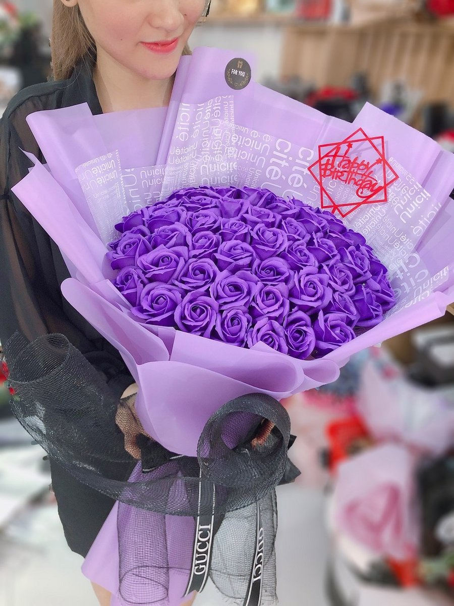 Bó 50 hoa hồng sáp thơm sắc tím