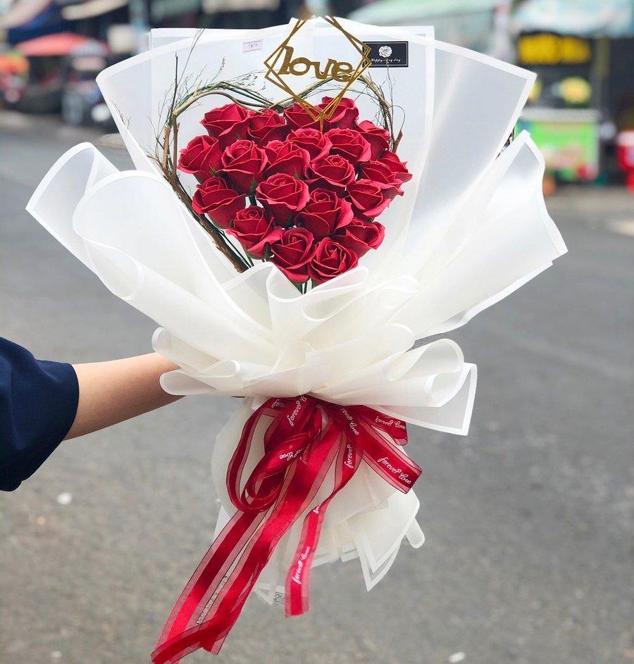 Bó hoa hồng sáp 20 bông - LOVELY