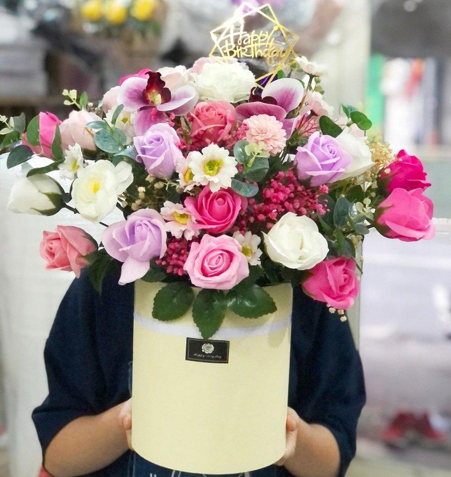 Hộp hoa sáp thơm vừa để bàn