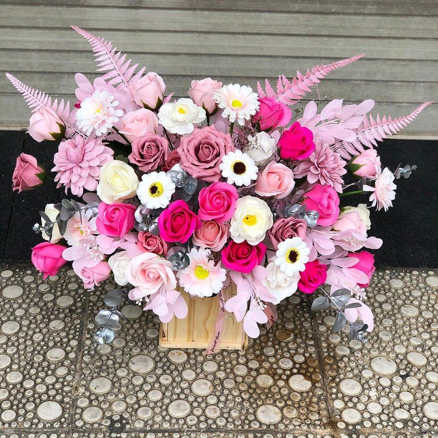 Chậu gỗ hoa sáp thơm chúc mừng - LOVELY DAY