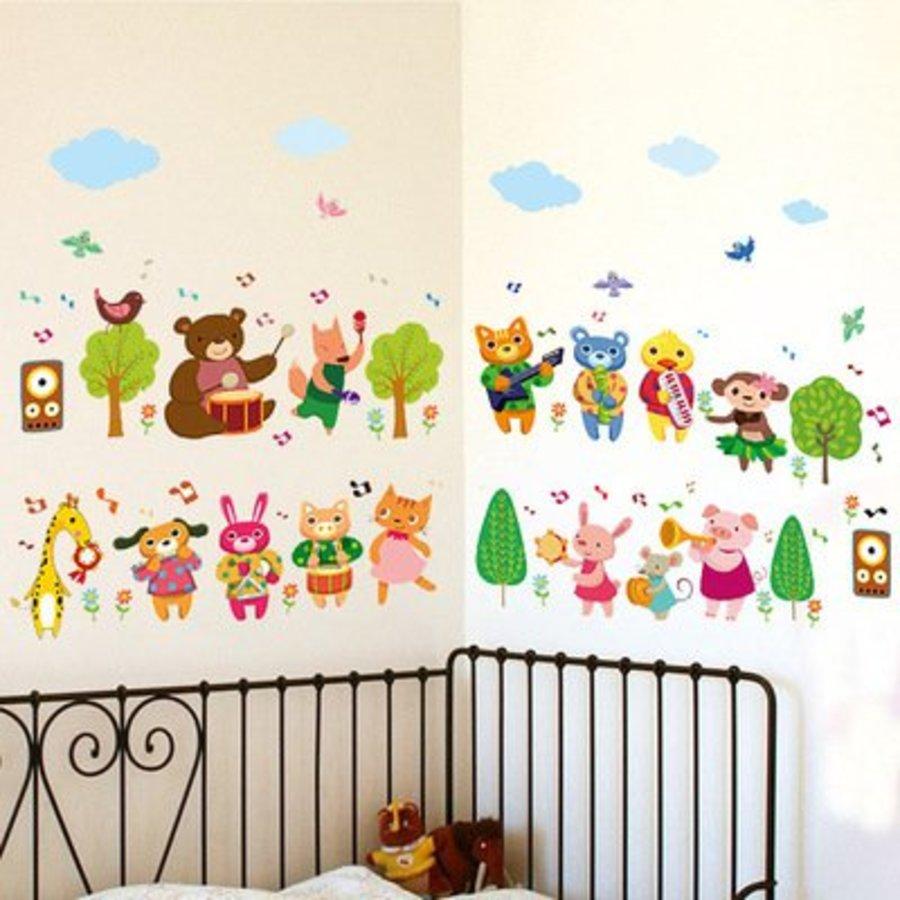 Decal dán tường vườn thú chơi nhạc