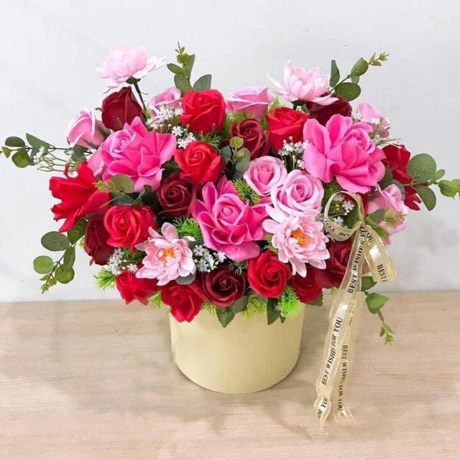 Chậu hoa sáp thơm sắc hồng - đỏ