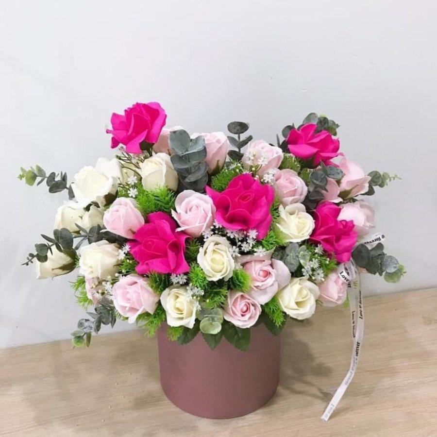Chậu hoa sáp thơm sắc hồng - trắng