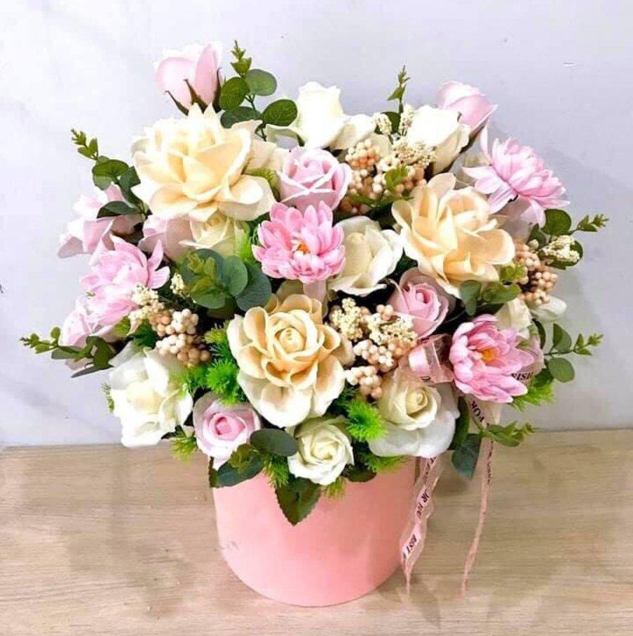 Chậu hoa sáp thơm sắc hồng - vàng kem