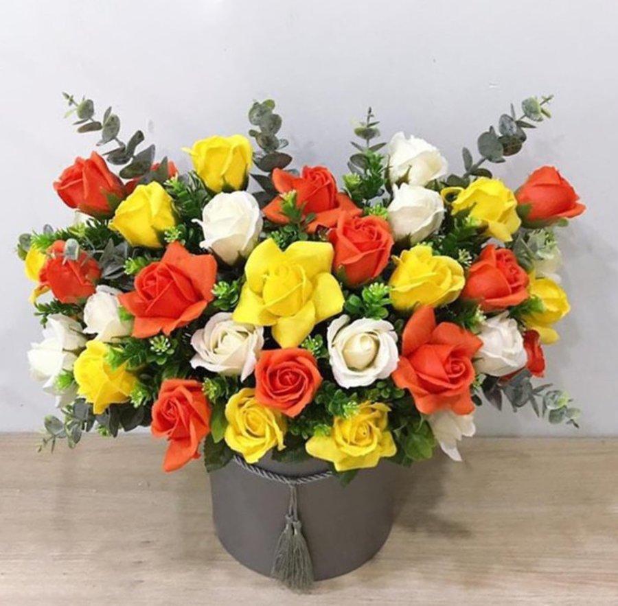 Chậu hoa sáp thơm tam sắc 2