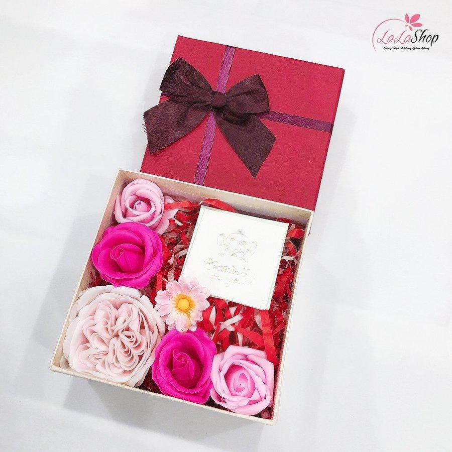 Set hộp quà tặng thiệp chúc kèm hoa