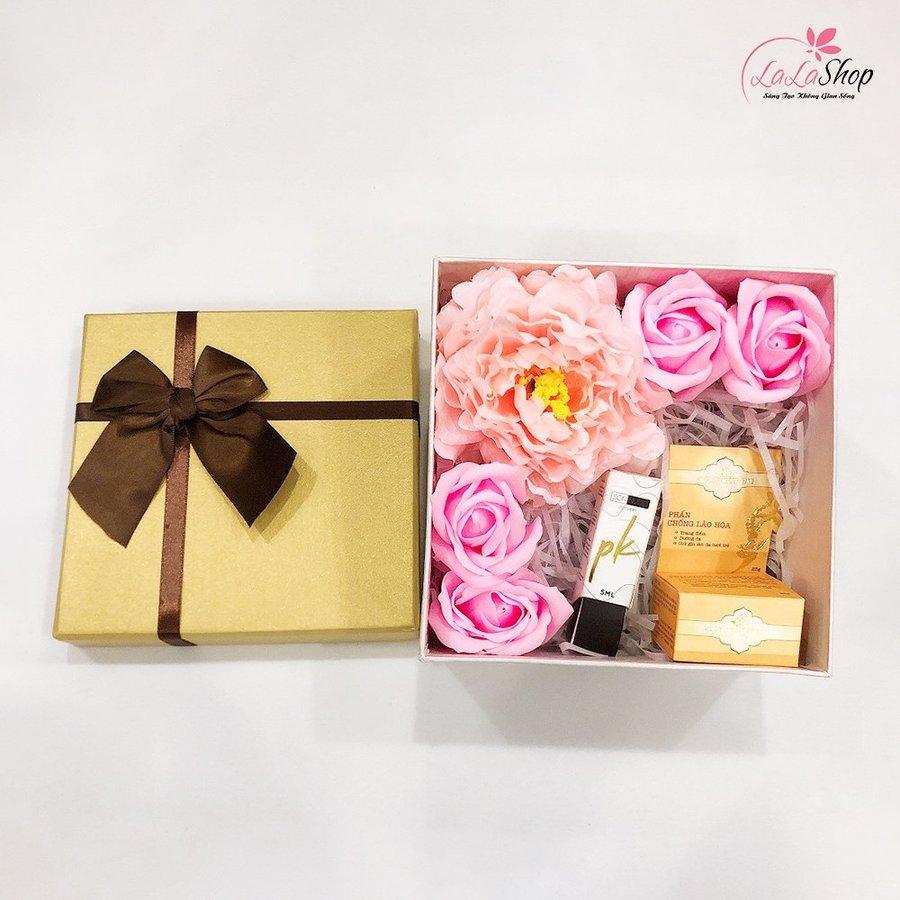 Set hộp quà tặng tuổi trẻ 2 kèm mỹ phẩm (Gồm phấn chống lão hóa và son nước)
